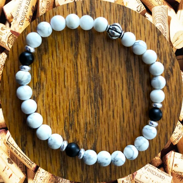 White Howlite Bracelet with Black Onyx Accents Braeclet by Kimi Designs Jewellery